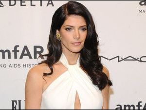 Ashley Greene : elle rivalise d'élégance pour le gala de l'amfAR new-yorkais !
