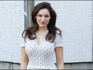 Photos : Kelly Brook : un ange qui assume ses formes !