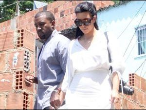 Photos : Kim Kardashian et Kanye West : ils visitent les favelas de Rio avec Will Smith !
