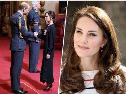 Photos : Victoria Beckham a été décorée par le prince William... sans Kate Middleton !