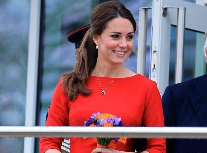 Photos : Kate Middleton : elle passe à la couleur pour camoufler son petit ventre !