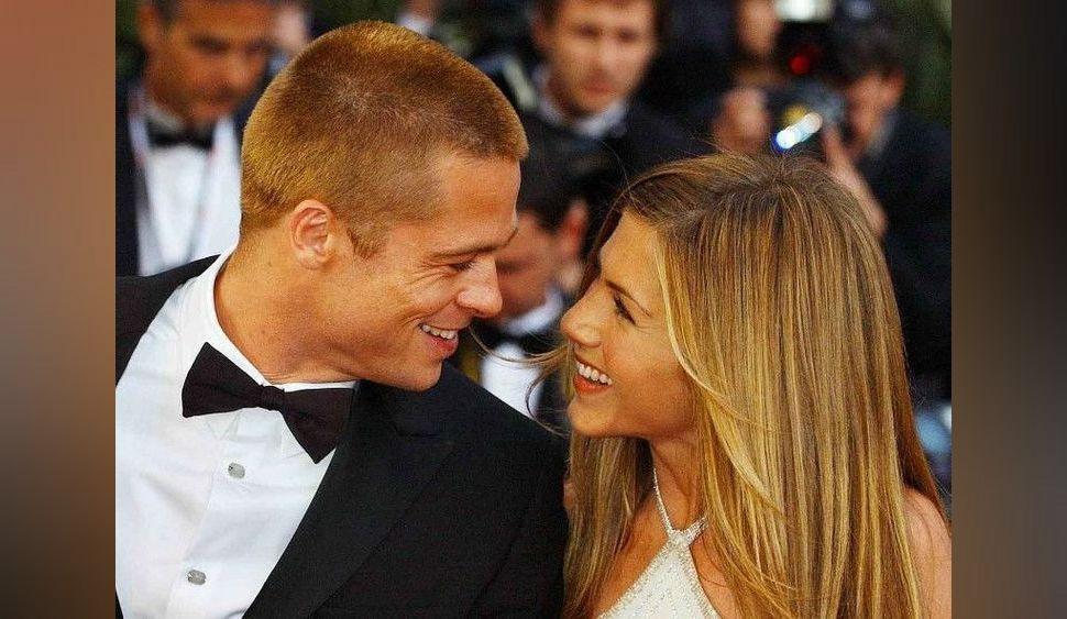 """Brad Pitt et Jennifer Aniston """"s'aiment encore, pas de doute"""" : Courteney Cox dit tout !"""