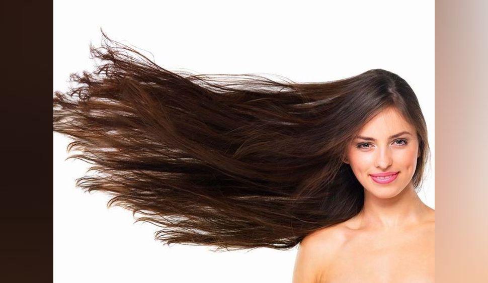 Cheveux : selon les coiffeurs, l'huile de coco est la meilleure chose pour faire pousser les cheveux HYPER longs