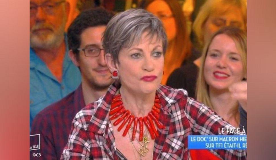"""Isabelle Morini-Bosc « toujours la poitrine à l'air », un chroniqueur phare de 'TPMP' révèle qu'il a voulu """"la pécho"""""""