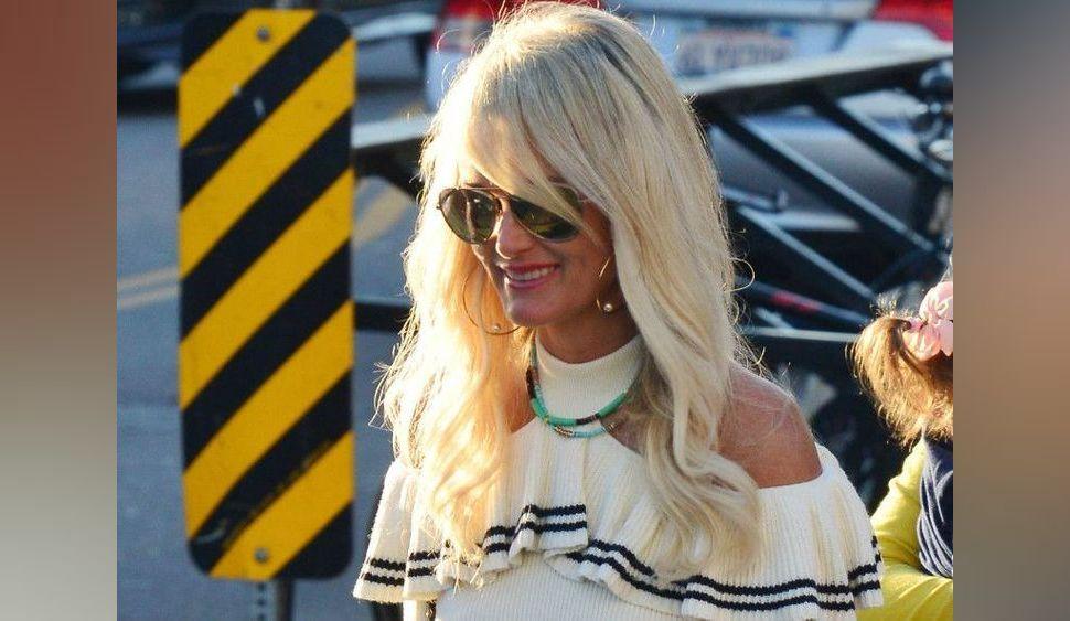 Mort de Karl Lagerfeld : L'hommage unique de Laeticia Hallyday et des photos inédites avec Johnny !
