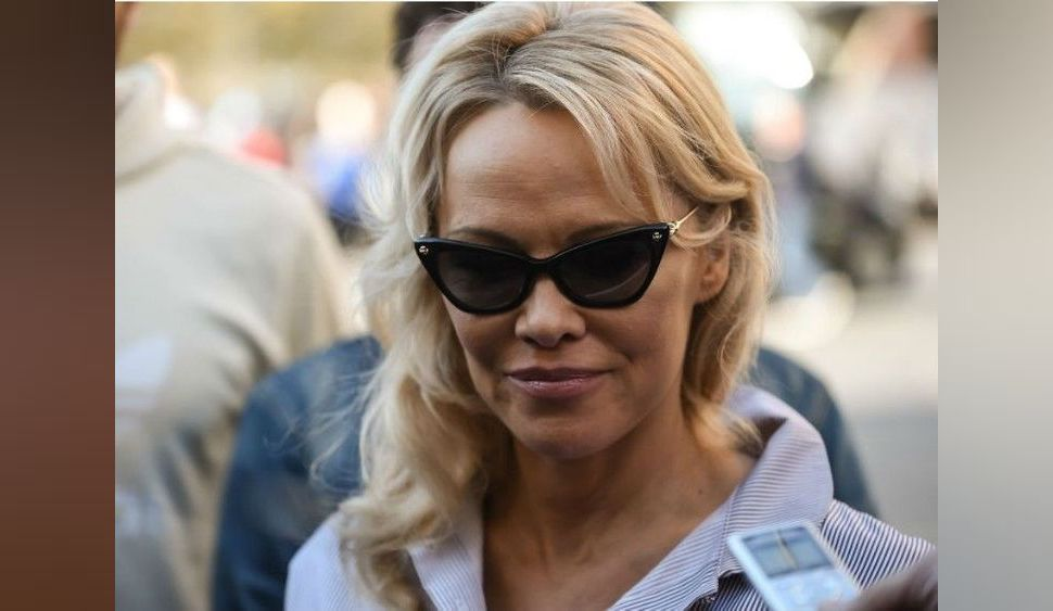 Pamela Anderson perd un ami très cher...