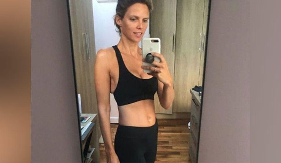 Sylvie Tellier se dévoile ventre à l'air en tenue de sport... un célèbre acteur sous le charme