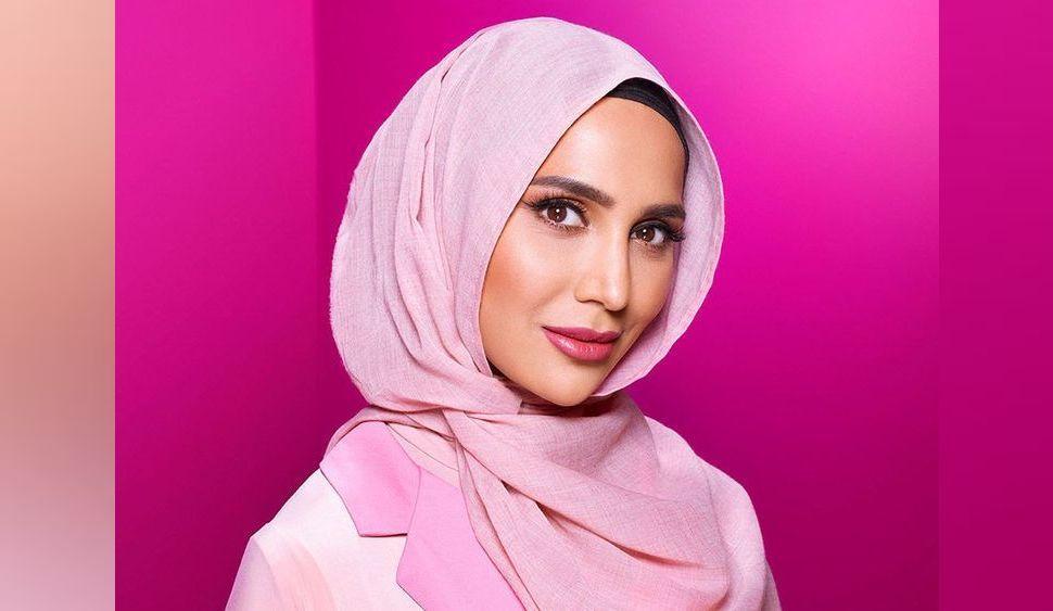 L'Oréal Paris choisit une jeune femme voilée magnifique pour sa nouvelle campagne Elsève