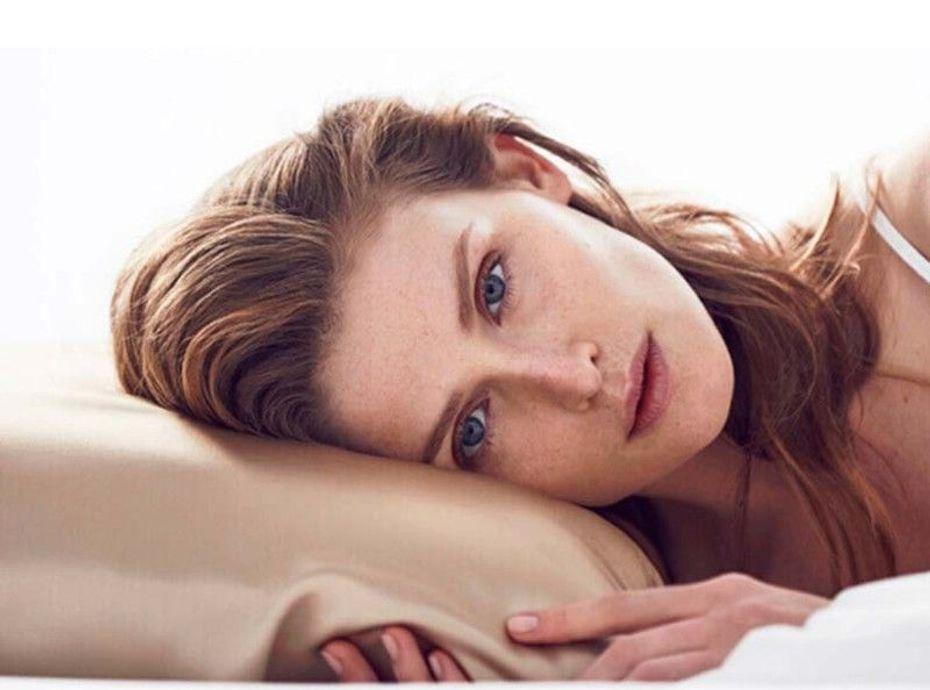 By Dariia Day : Pourquoi ces taies d'oreiller en soie sont les plus prisées du moment