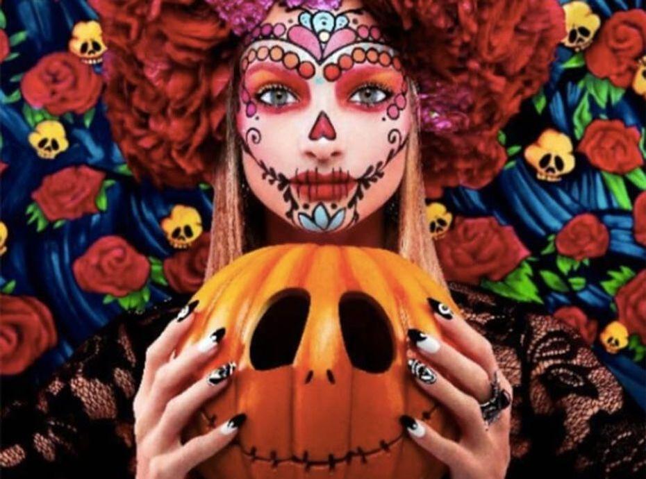"""Halloween 2018 : Voici les produits Kiko Milano utilisés pour reproduire ce make-up """"Dia de Los Muertos"""""""