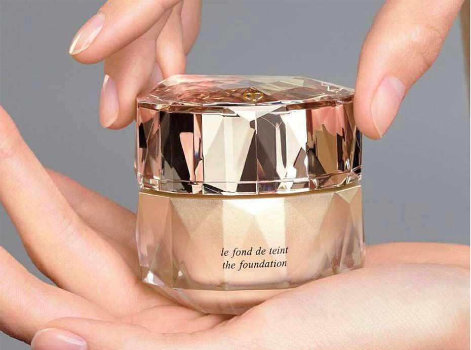 Maquillage : Voici le fond de teint le plus cher du monde